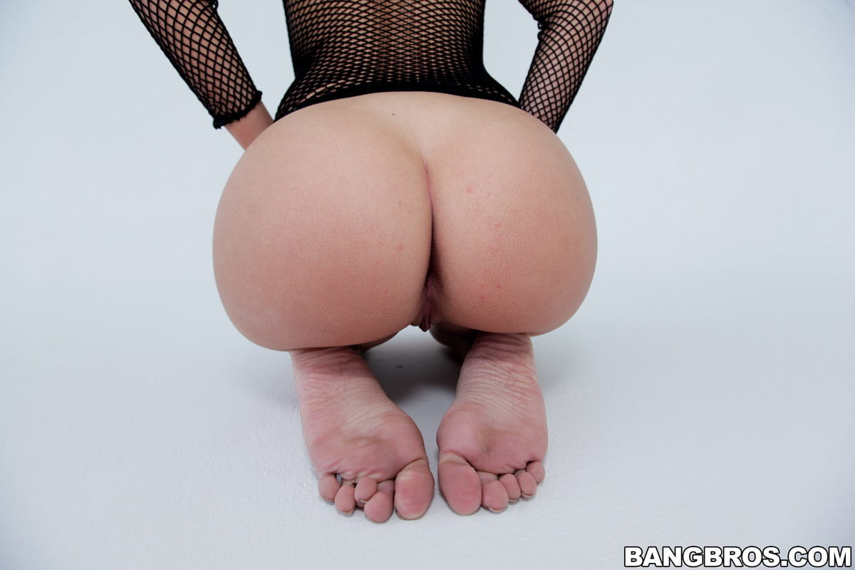 Black apple bottom ass