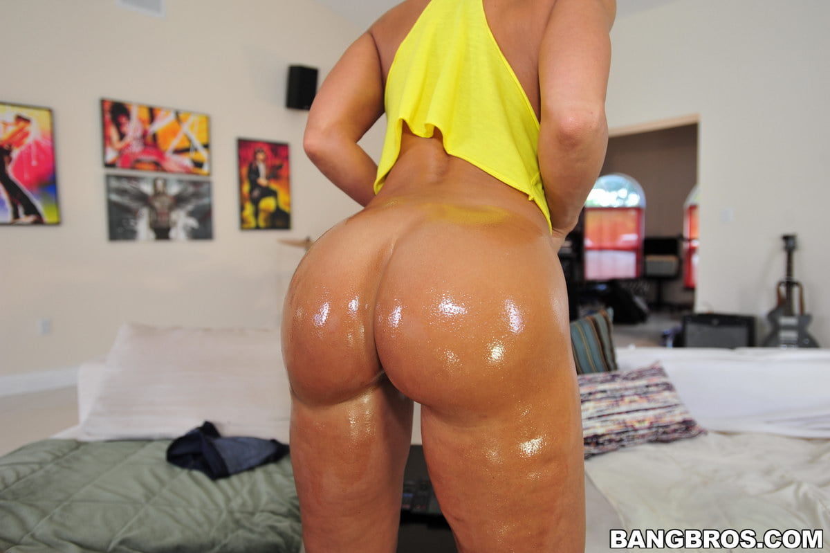 Evilangel See Milf Lisa Ann With Huge Bbc In Her Hot Ass