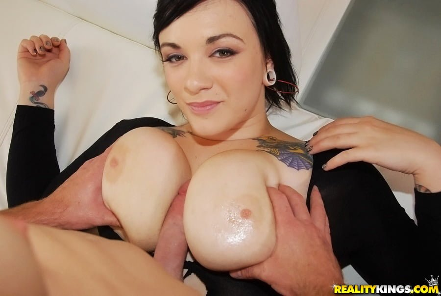 Scarlet LaVey Big Juicy Natural Tits