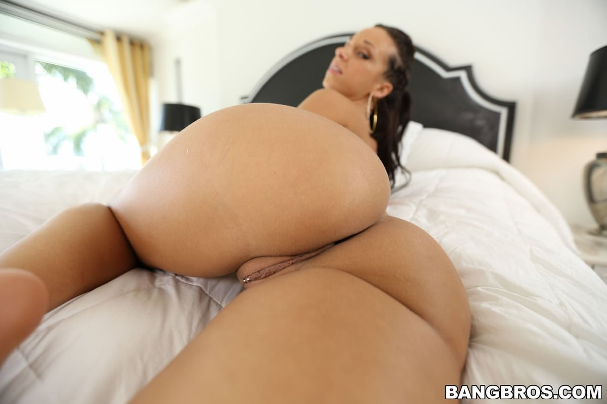 jada-stevens-bubble-butts